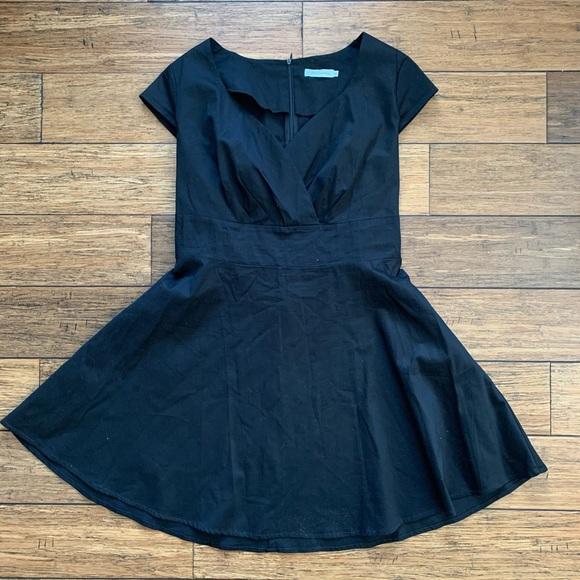Bbonline Dresses & Skirts - Black Short Sleeve Circle Skirt Dress